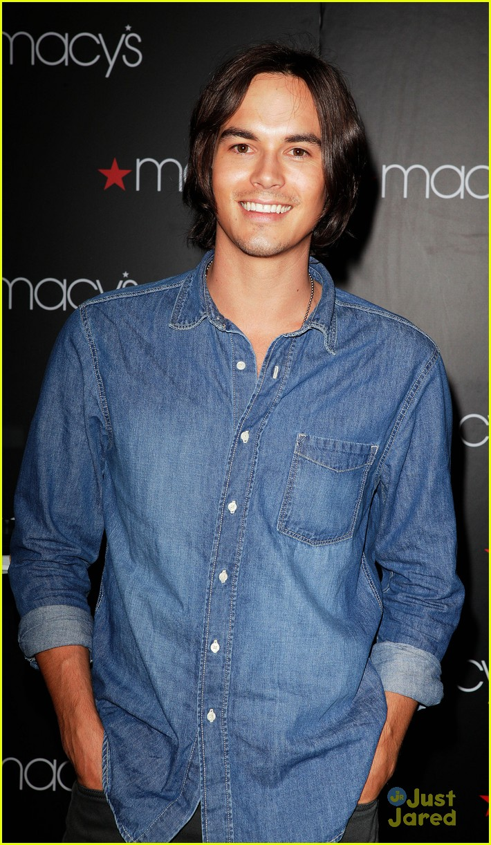 tyler blackburn macys wendy 02