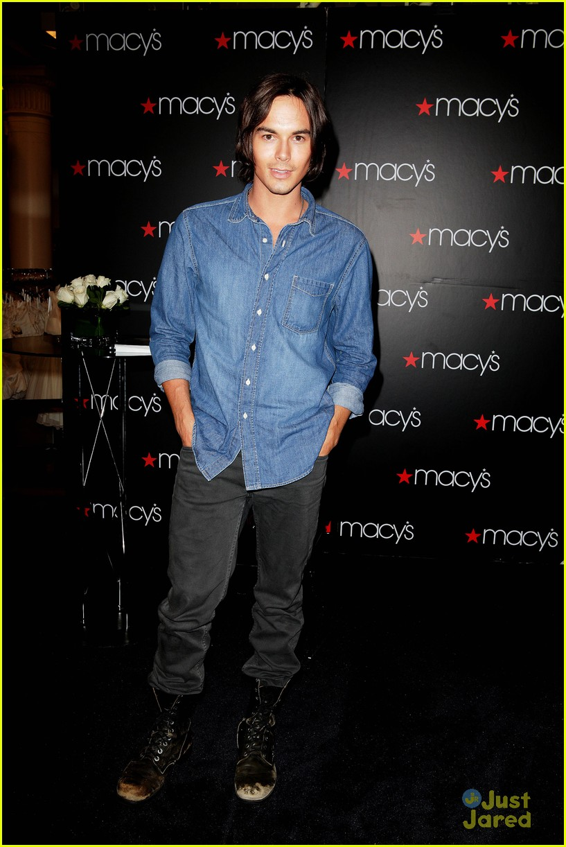 tyler blackburn macys wendy 03