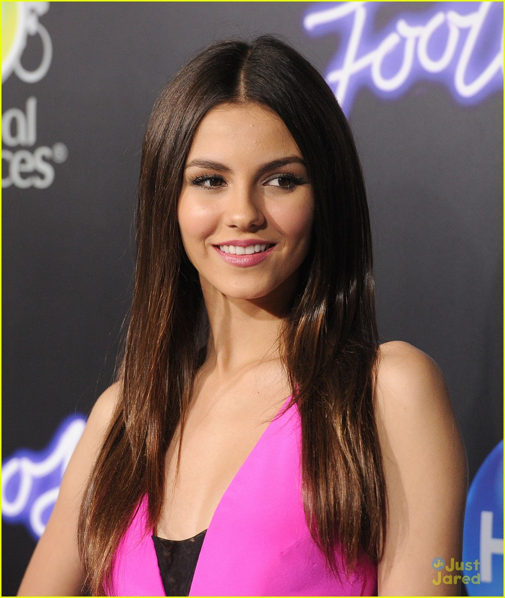 victoria justice footloose premiere 03