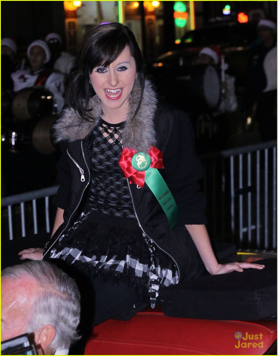 allisyn brochus xmas parade 05
