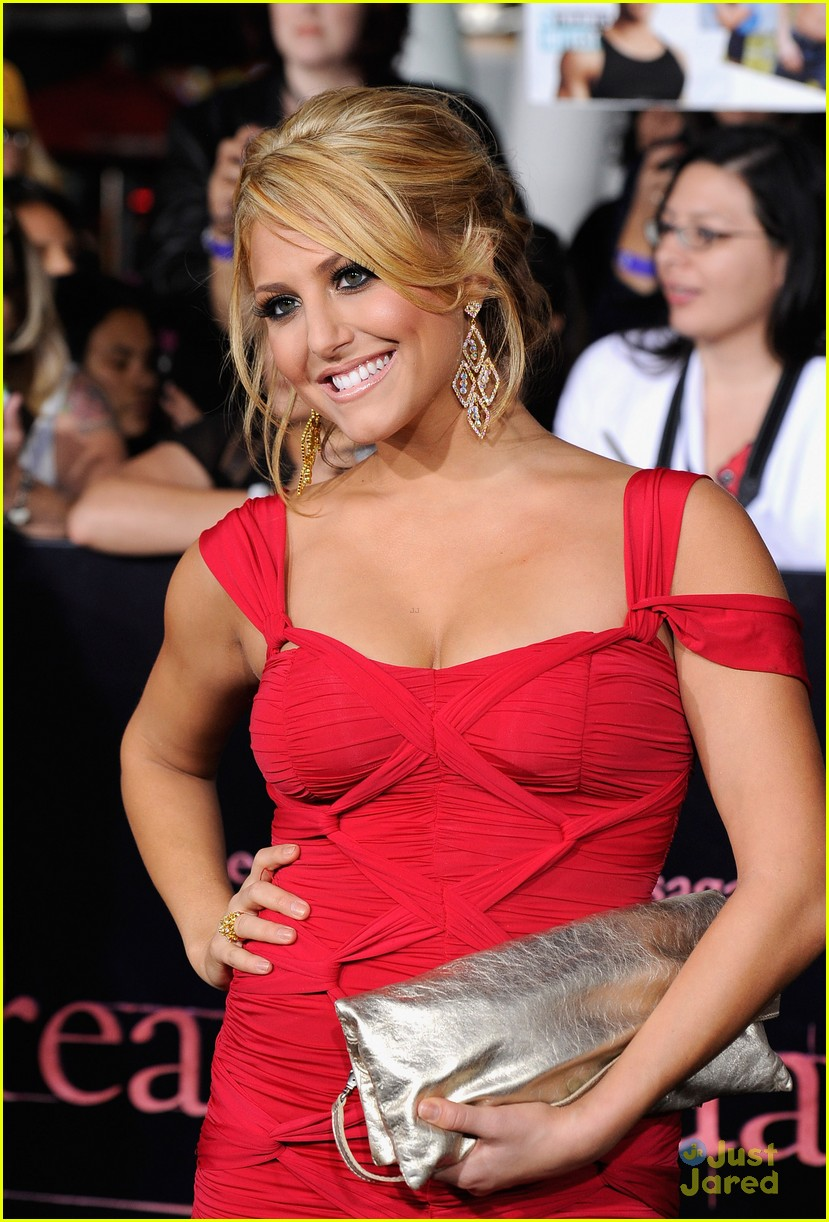 cassie scerbo back blonde 11