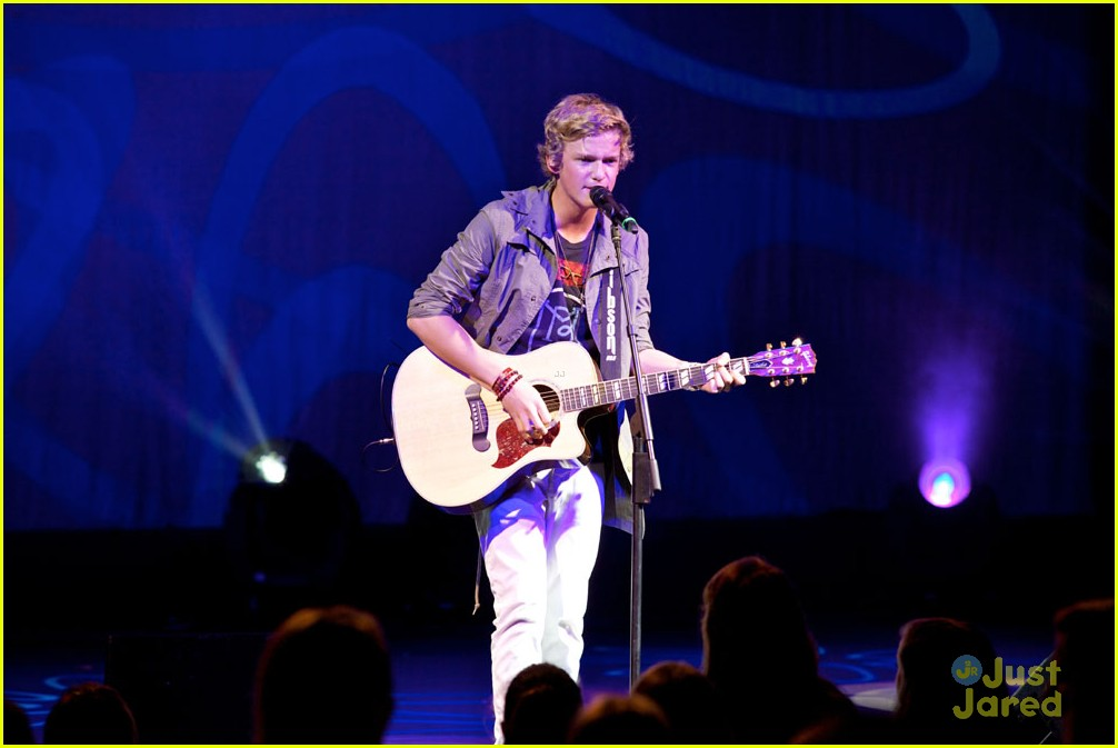 cody simpson atlantis 08