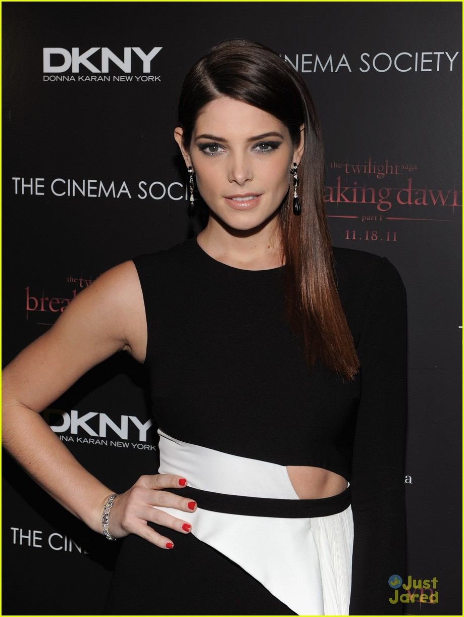 ashley greene nikki reed bd nyc 04