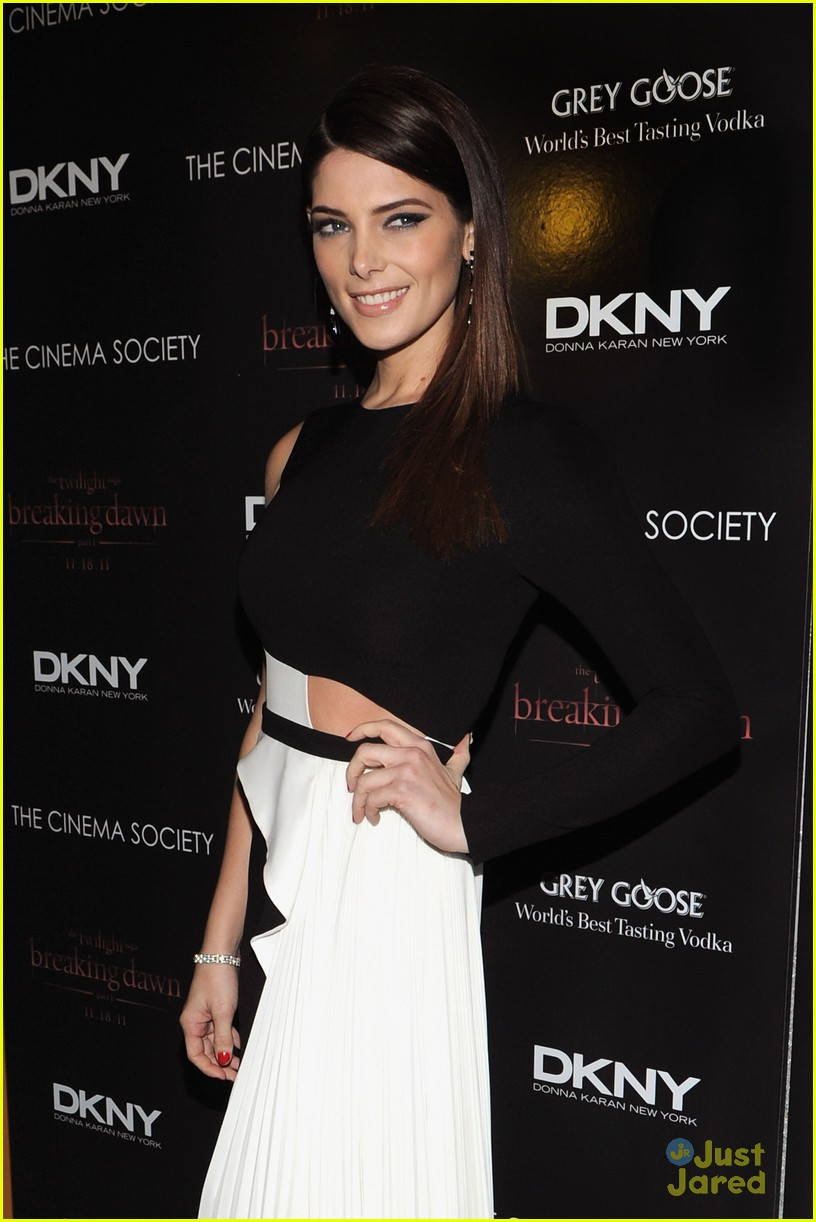 ashley greene nikki reed bd nyc 11
