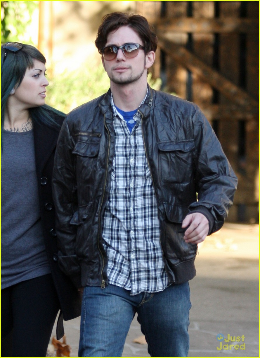 jackson rathbone girlfriend grove 04