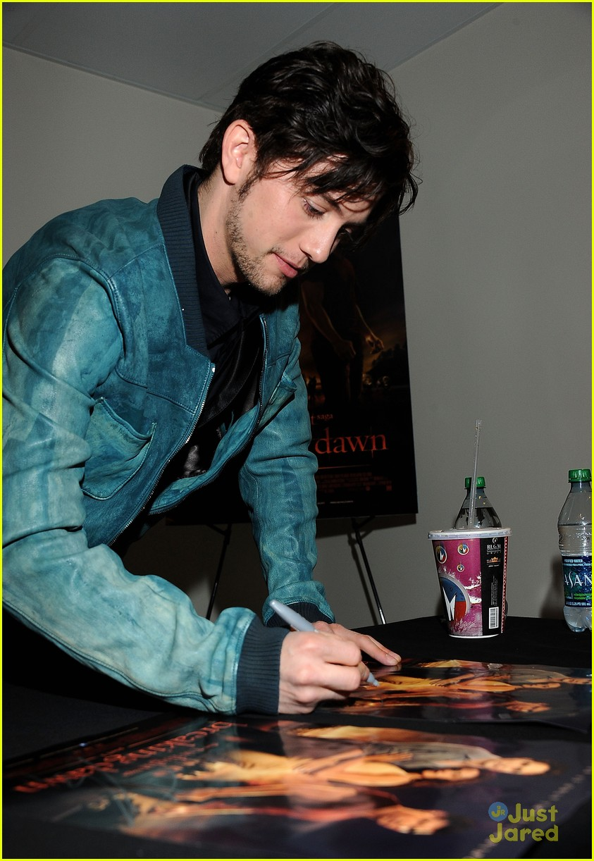 jackson rathbone opening night 16