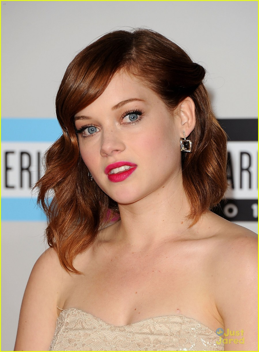 jane levy 2011 amas 06