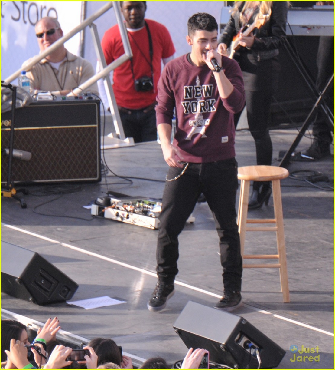 joe jonas 2011 amas 07