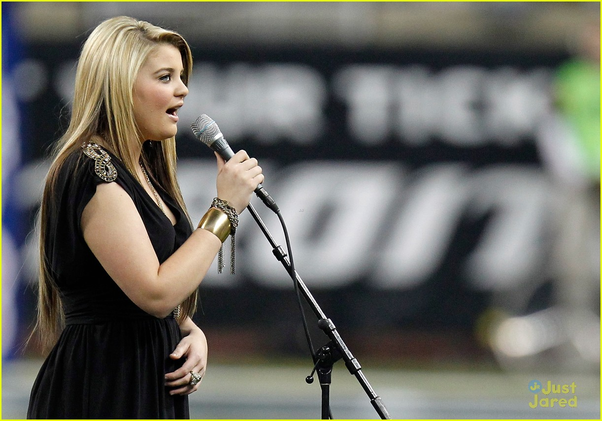 lauren alaina lions game 01