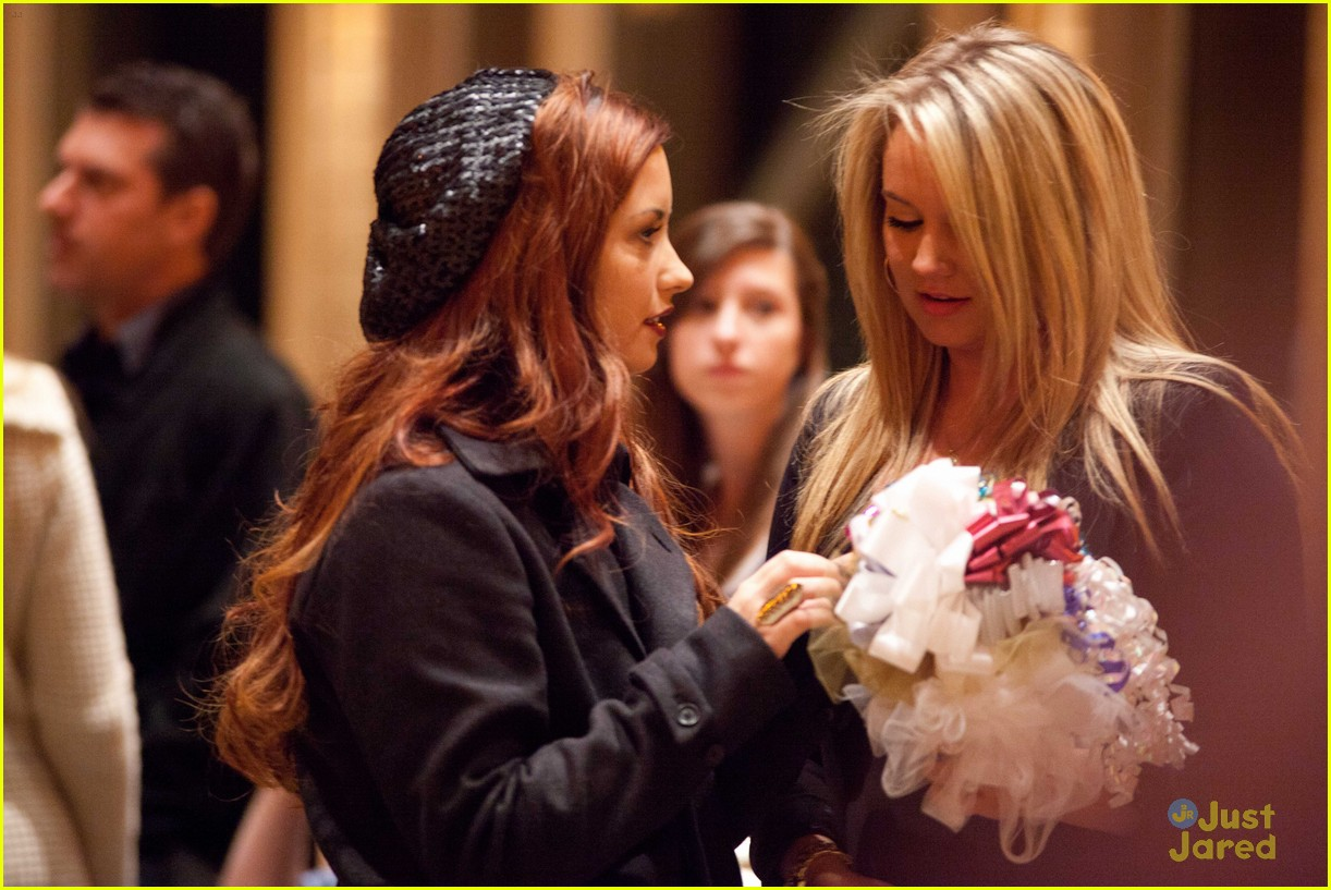 demi lovato tiffany wedding 04