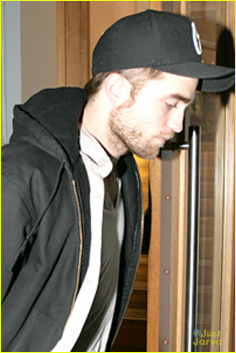 rob pattinson leaving office 01