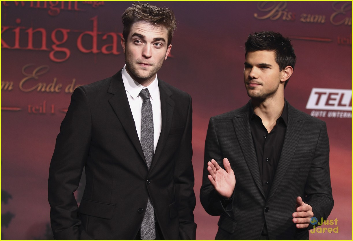 robert pattinson taylor lautner berlin 06