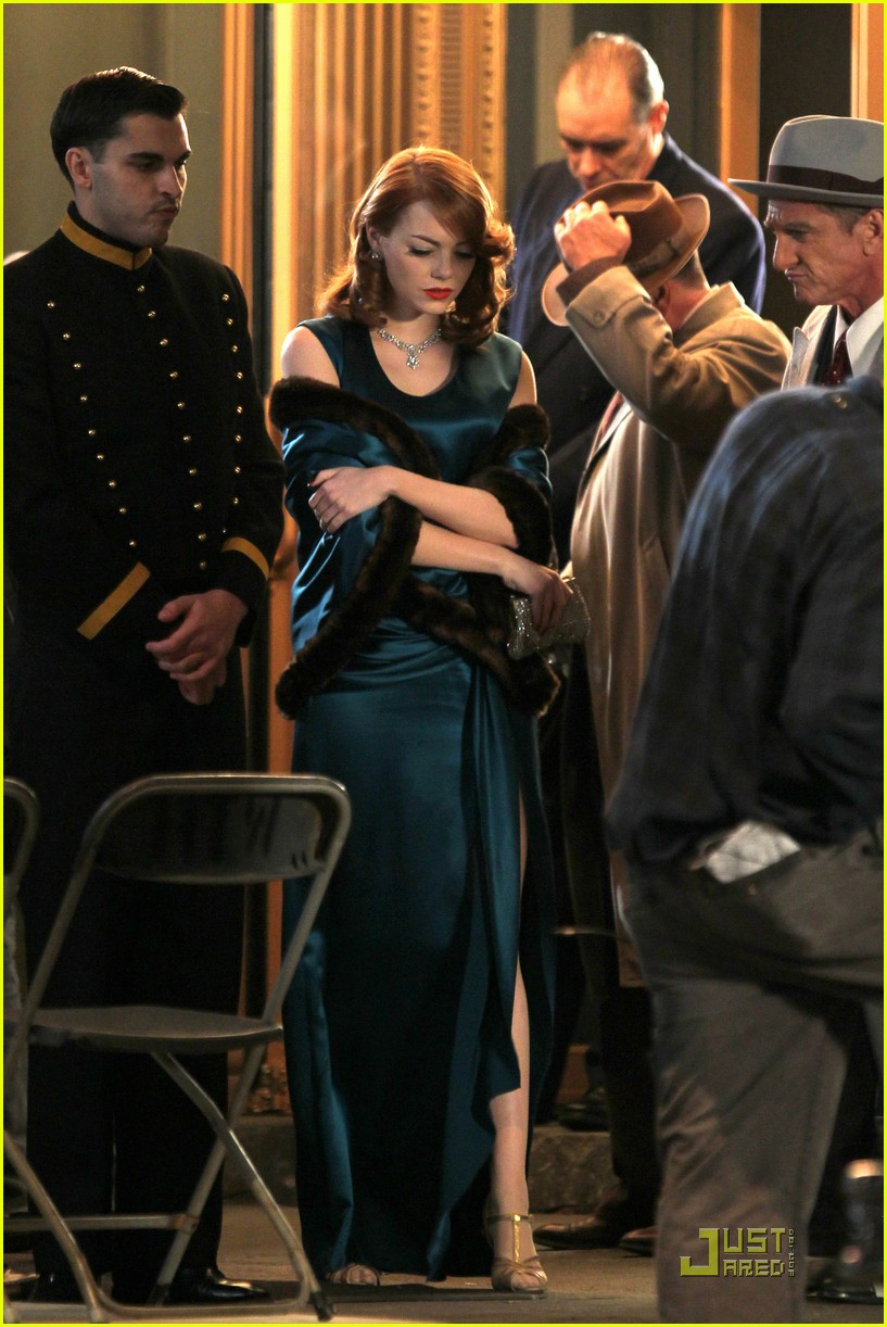 emma stone andrew garfield hug 08