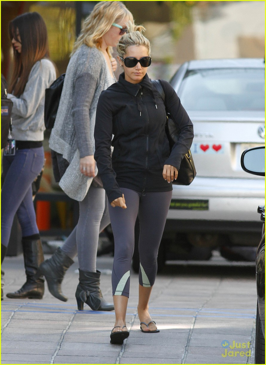 ashley tisdale blondie errands 09
