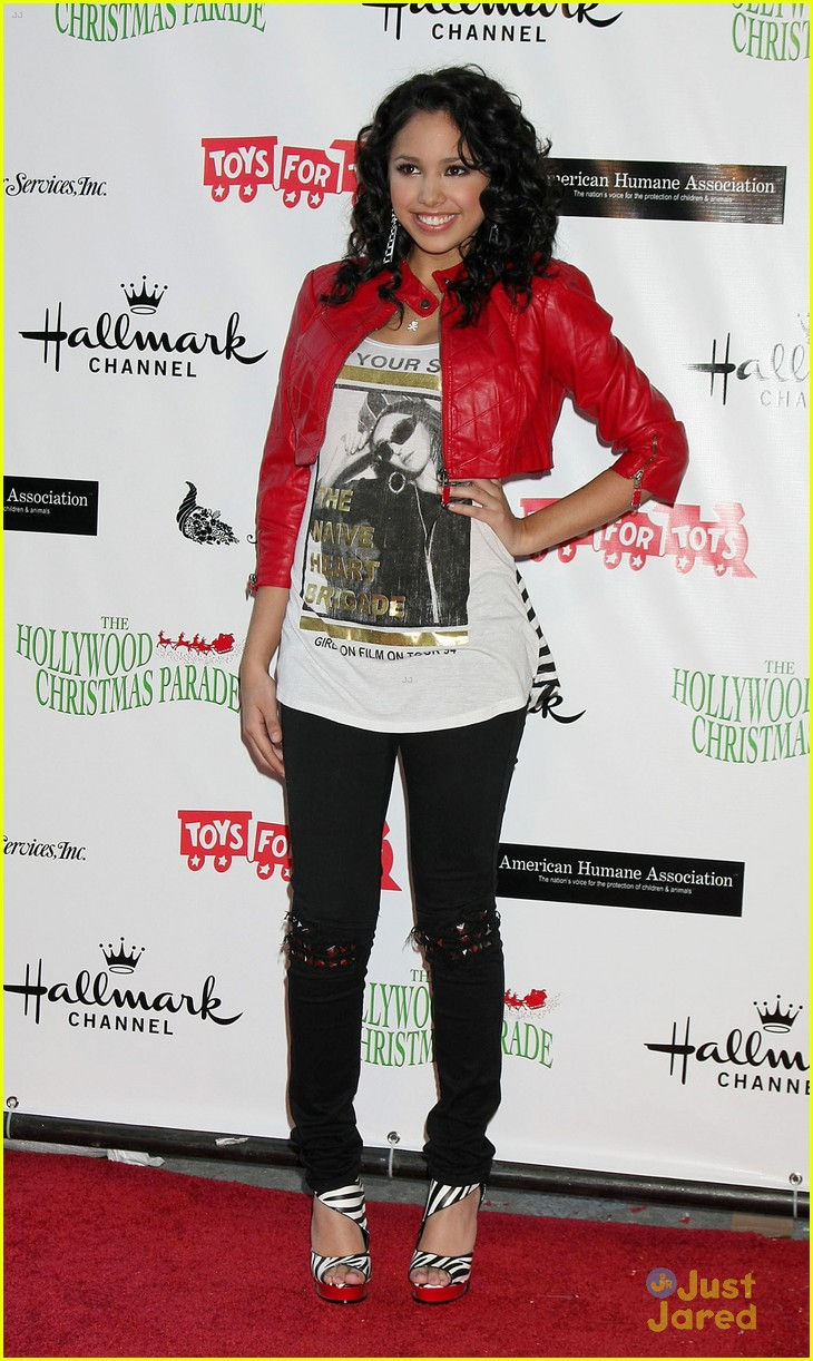jasmine v xmas parade 03