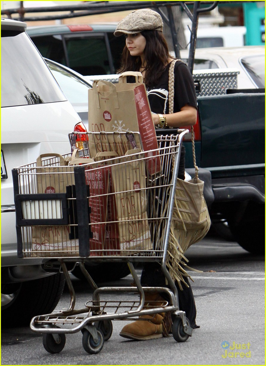 vanessa austin grocery shopping 11