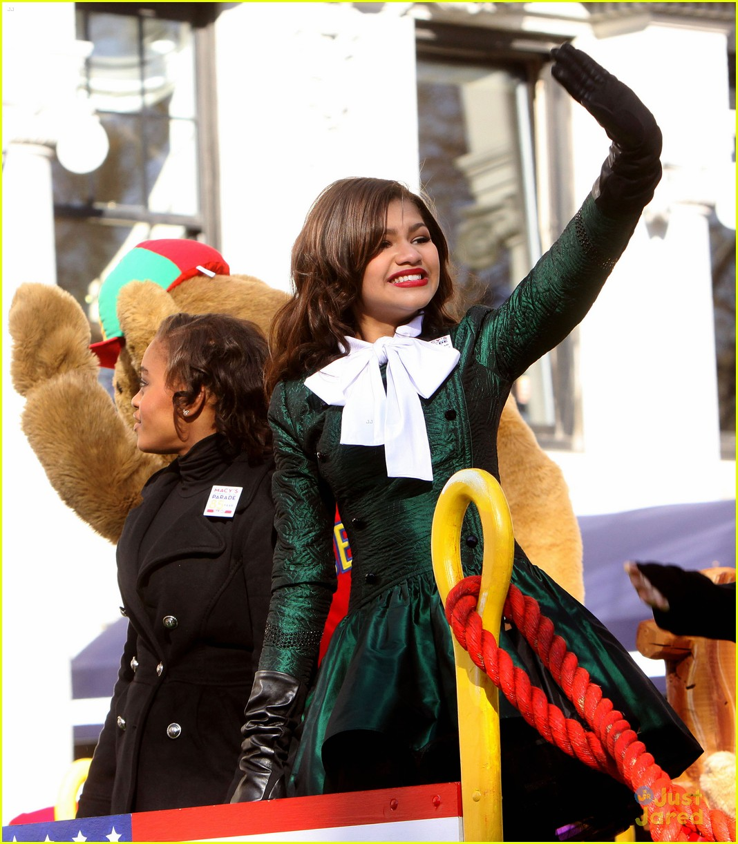zendaya macys thanksgiving parade 05