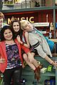 Aa-premiere austin ally premiere today 03