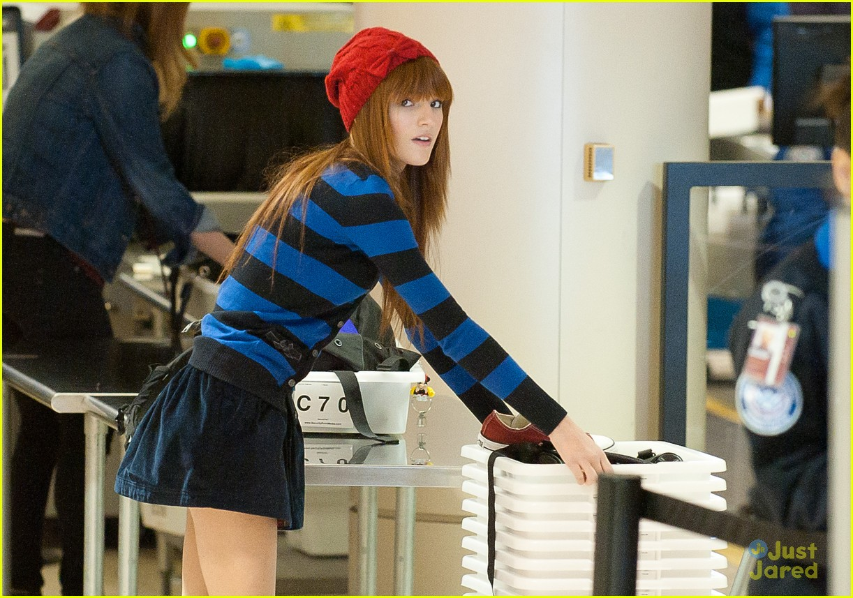 bella thorne lax stripes 02