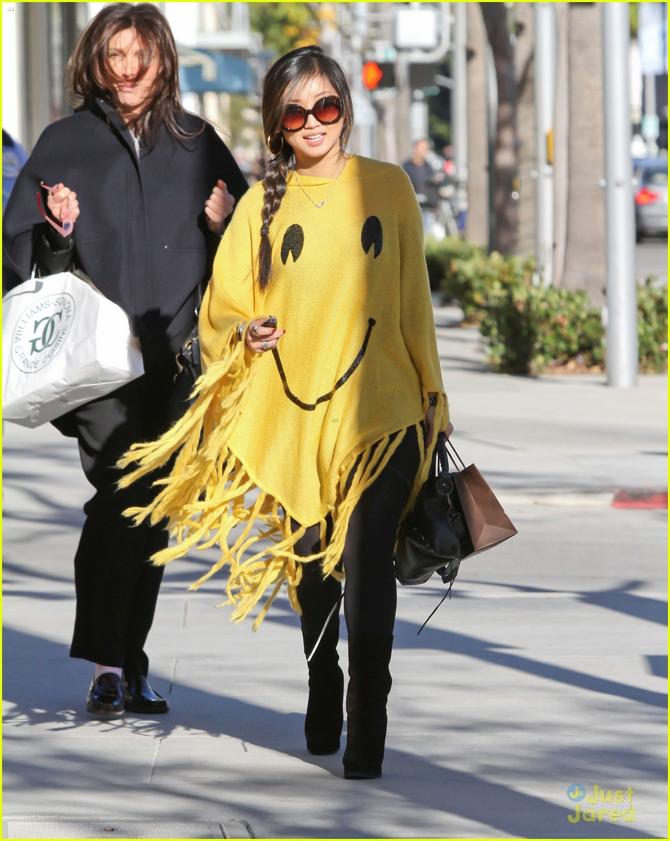 brenda song smiley face poncho 02