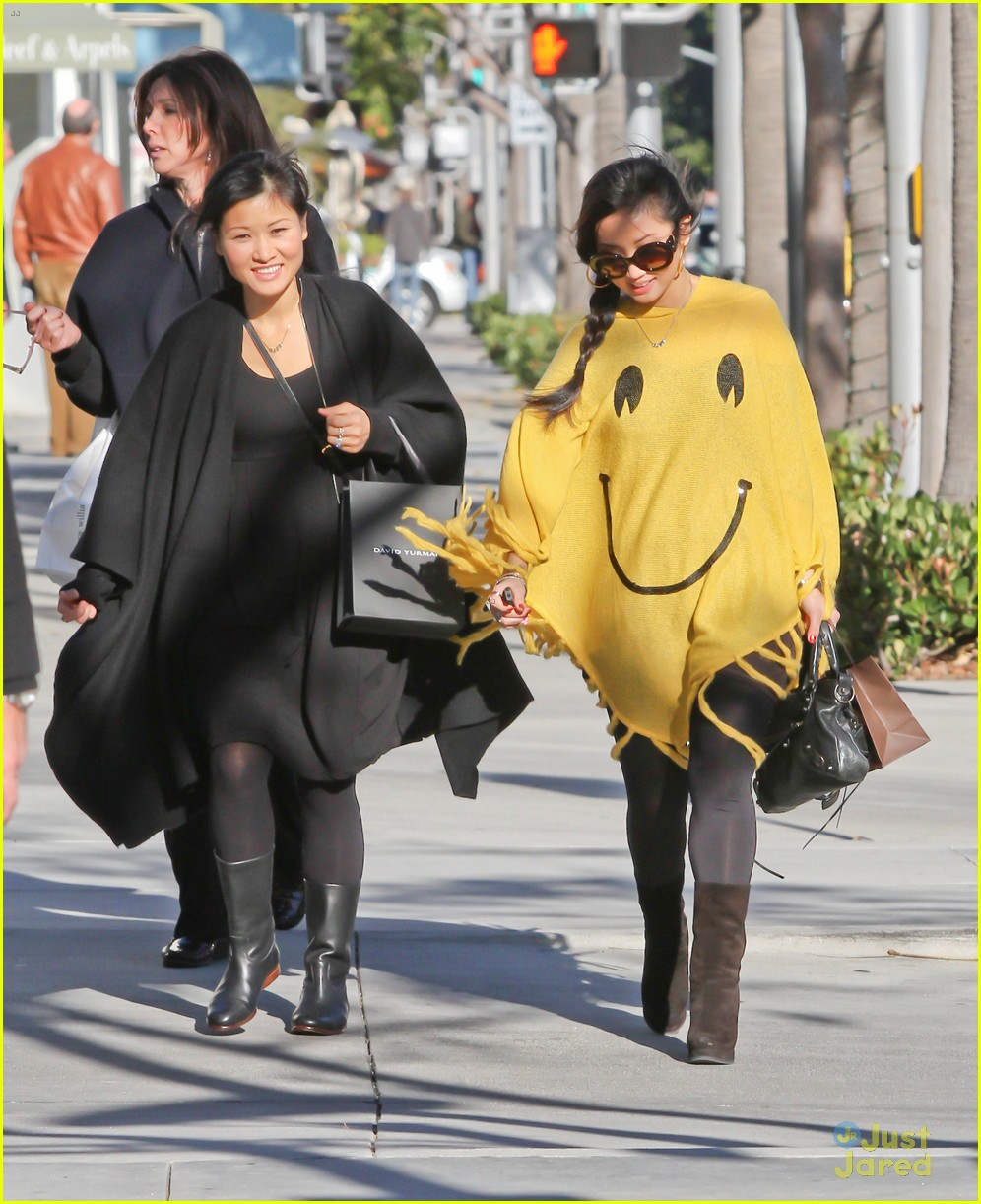 brenda song smiley face poncho 06