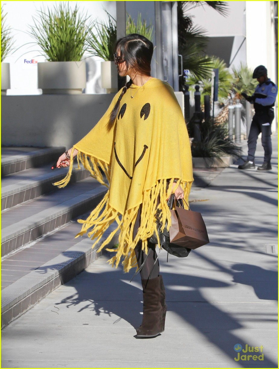 brenda song smiley face poncho 10