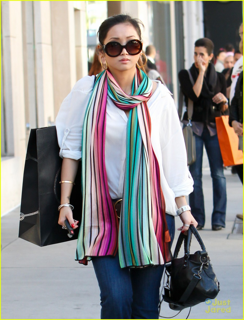brenda song prada shopper 05