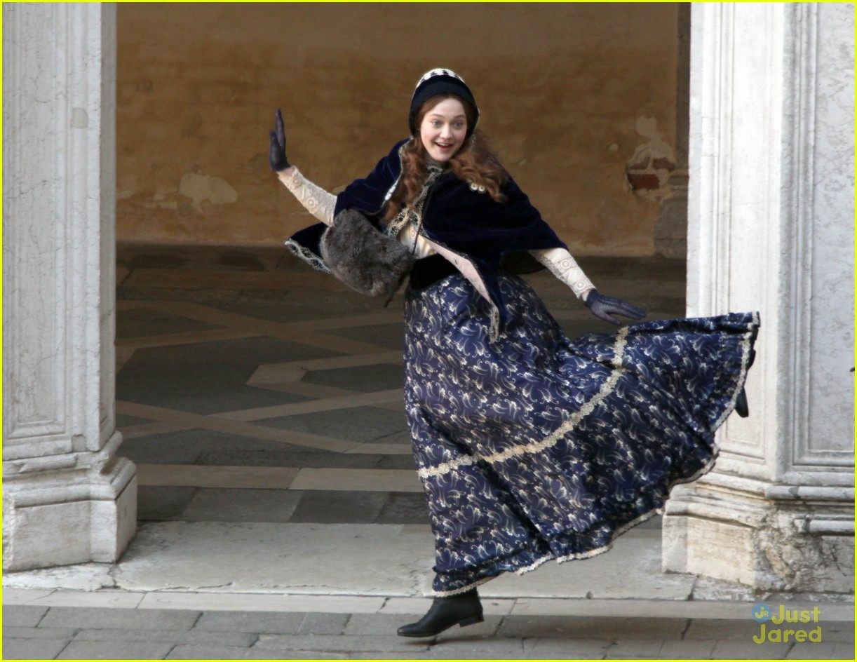 dakota fanning dance effie 05