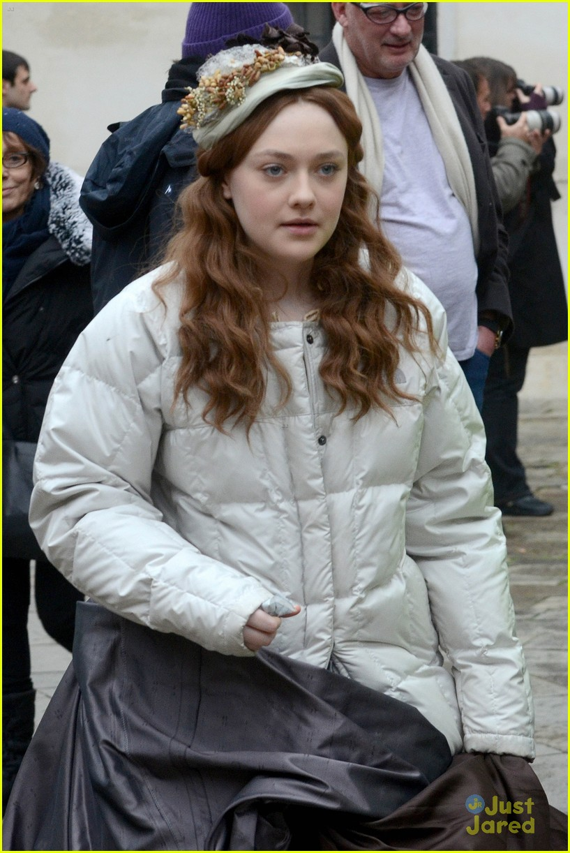 dakota fanning venice effie 12