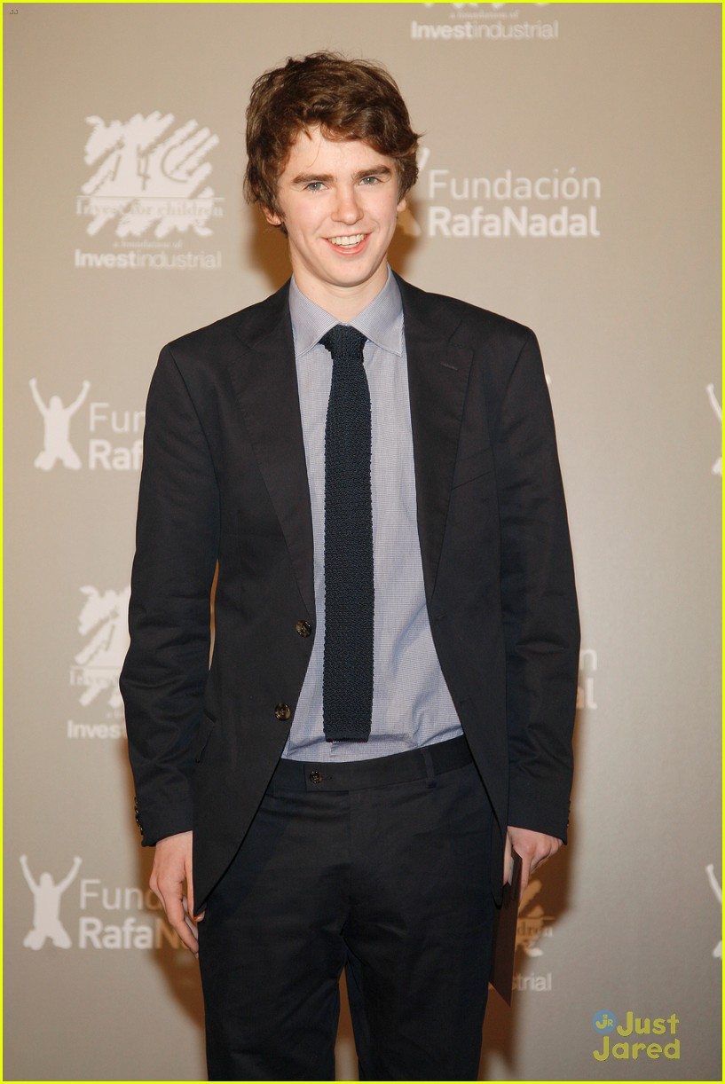 freddie highmore juntos gala 06