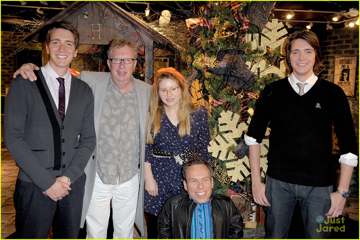 hp cast harrods signing 14