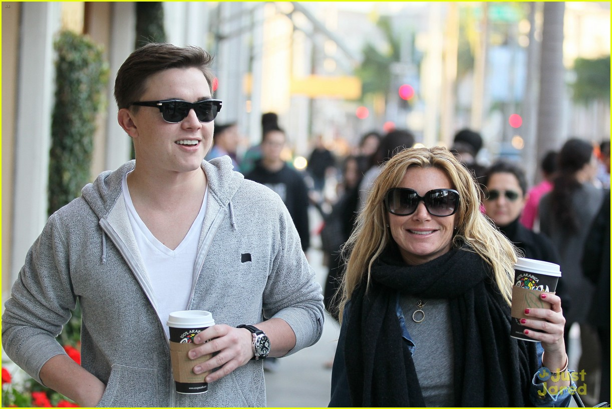 jesse mccartney hermes mom 10