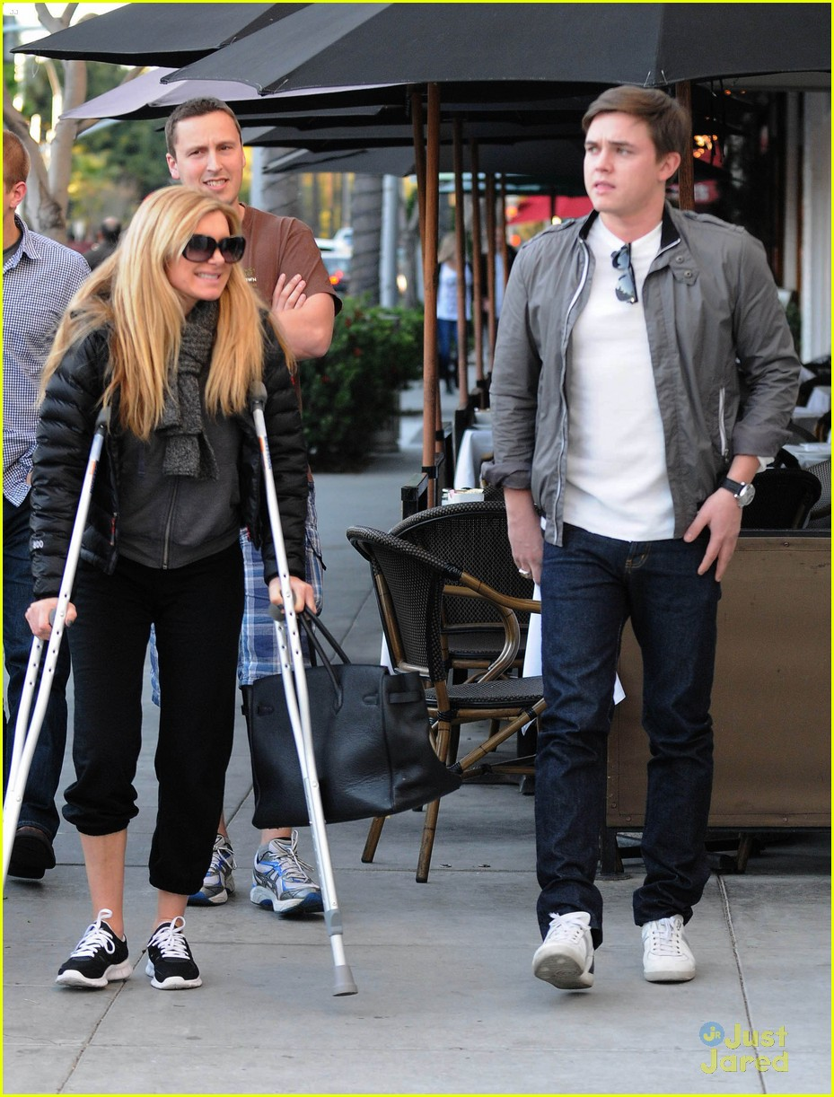 jesse mccartney pota villa lunch 06