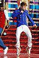 Justin-parade justin bieber disney parks 02