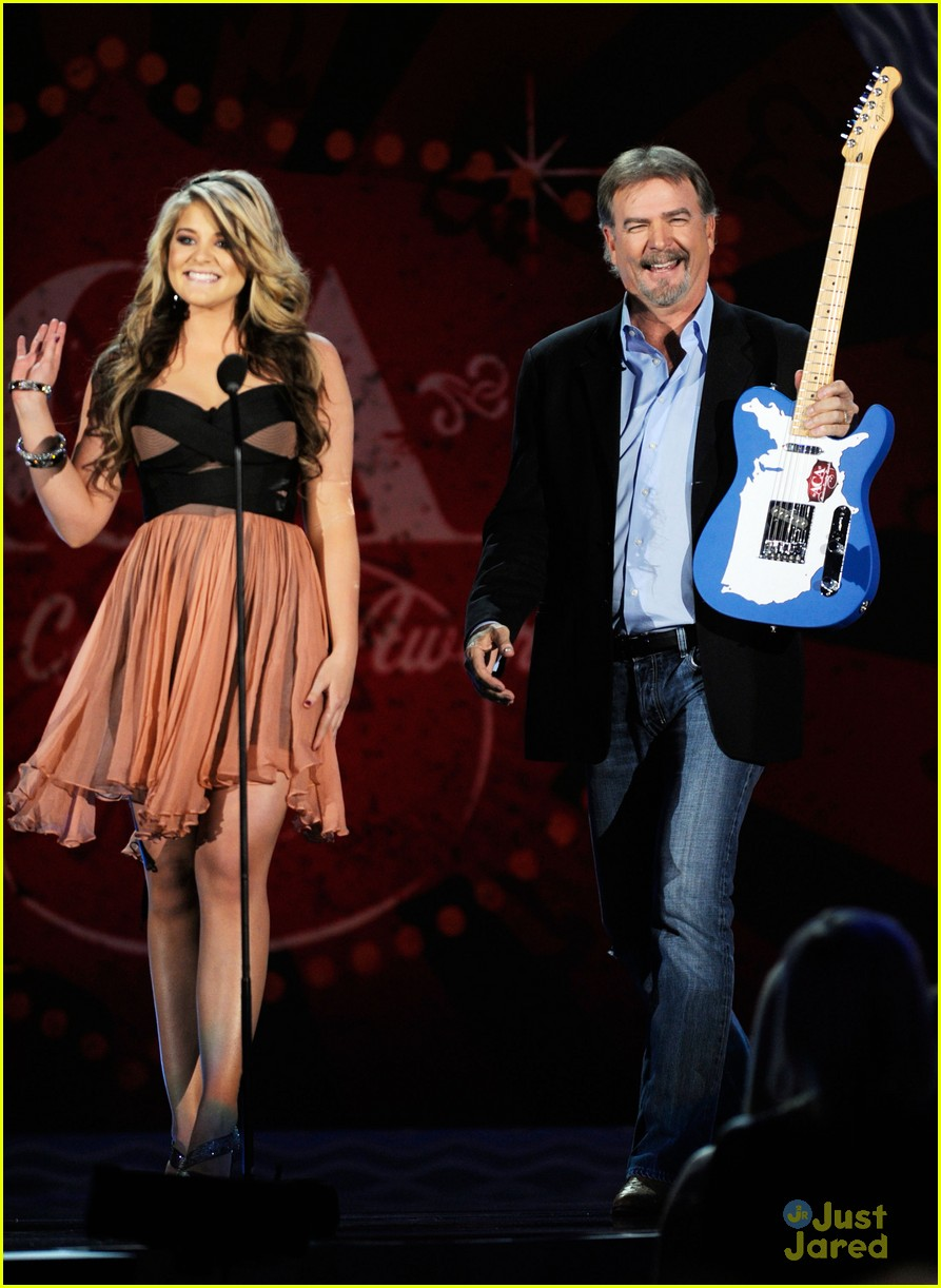 lauren alaina american country awards 13