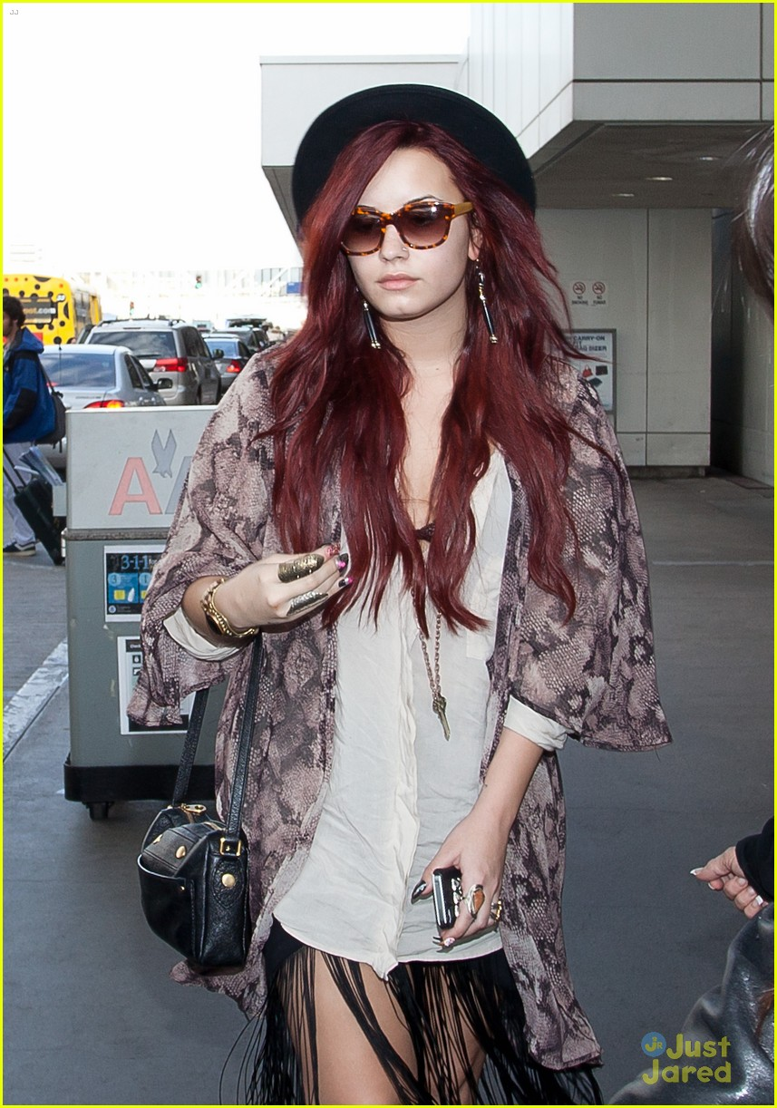demi lovato back lax 02