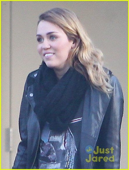 miley cyrus panera bread 03