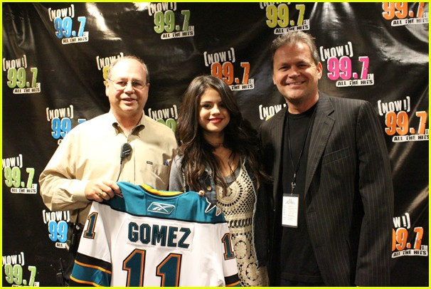 selena gomez san jose 14