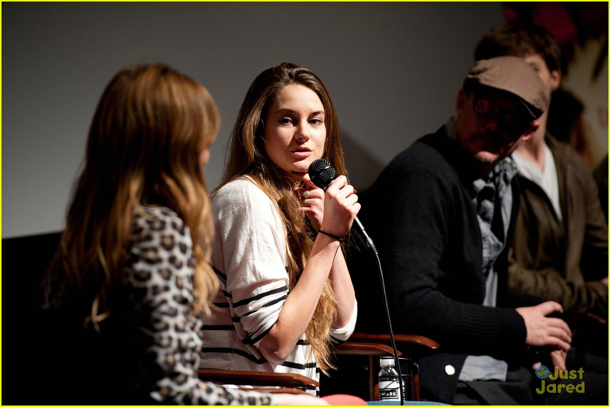 shailene woodley globe nomination 11
