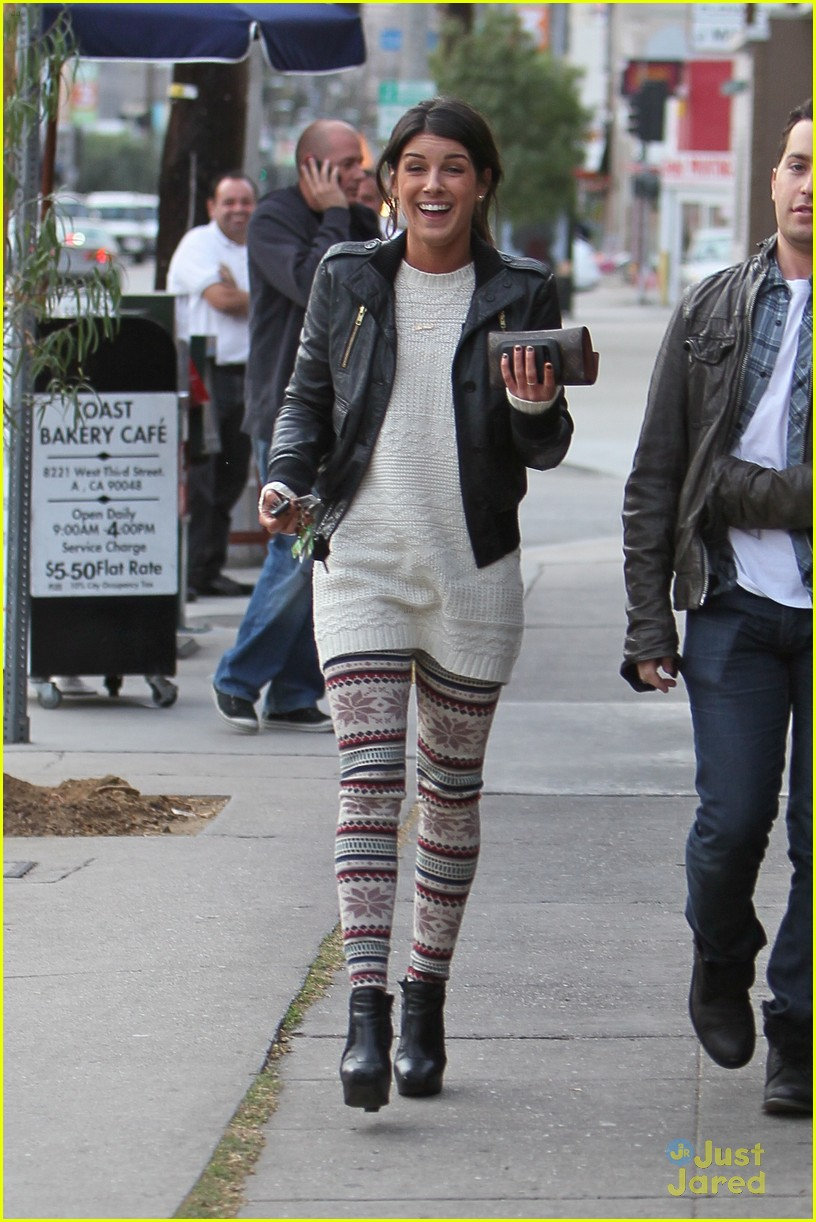 shenae grimes toast lunch 10