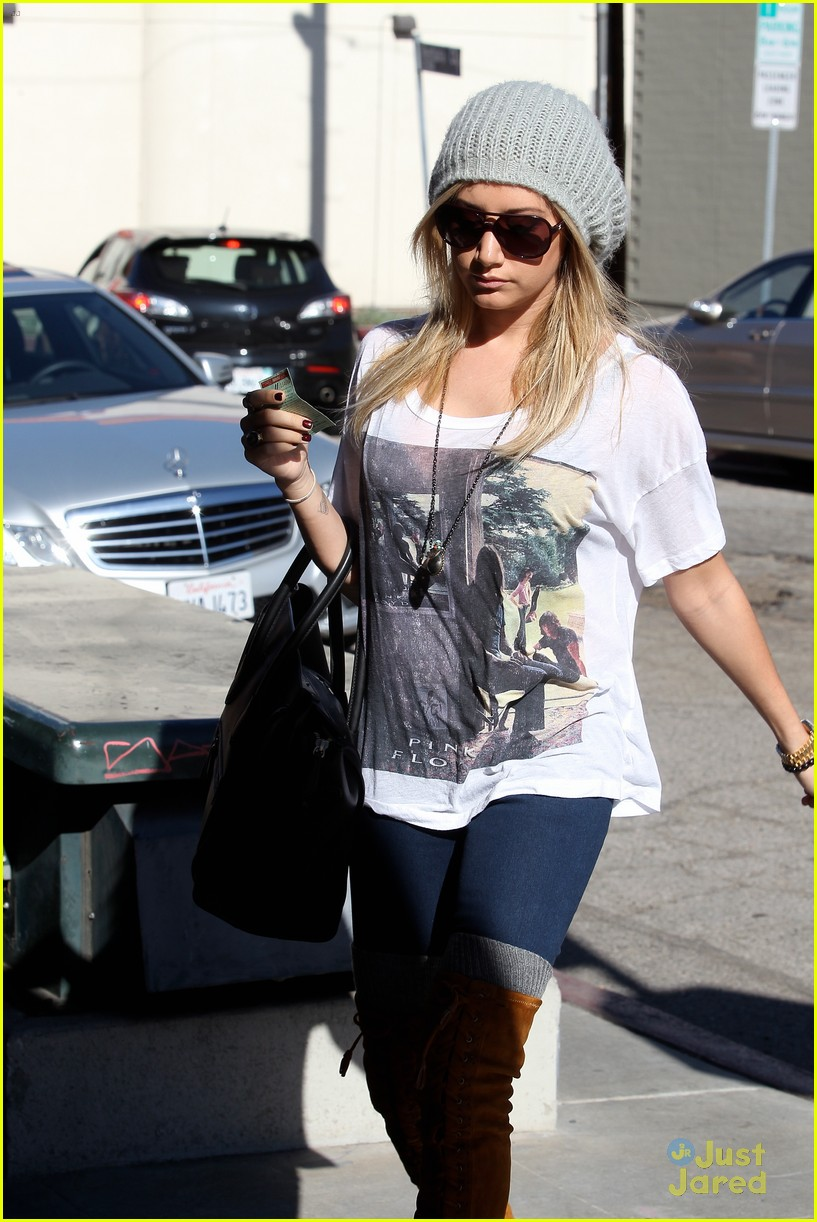 ashley tisdale lace boots shopping 02