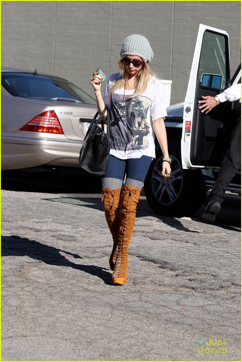 ashley tisdale lace boots shopping 07