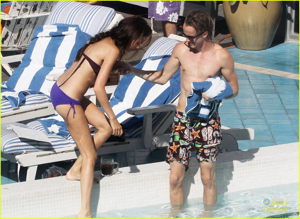tom felton pool jade olivia 09