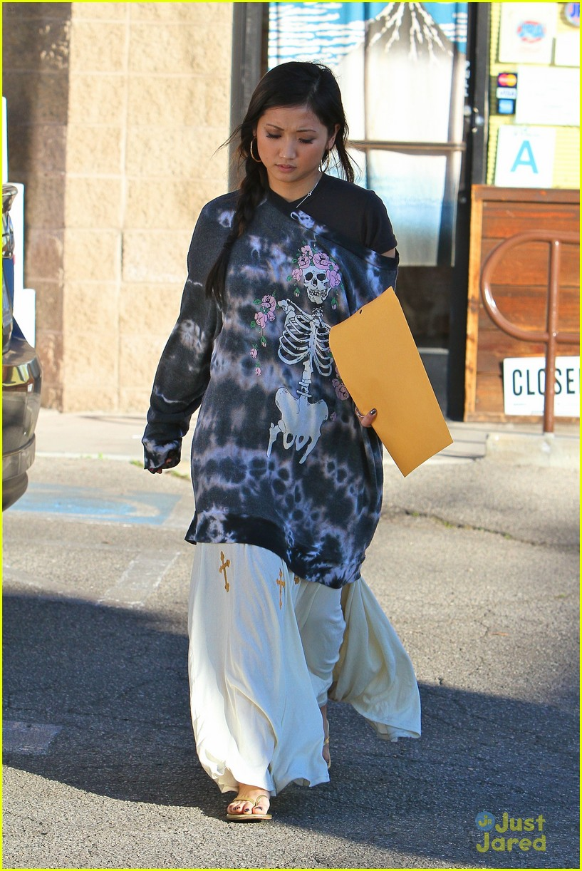 brenda song skull sweater 02