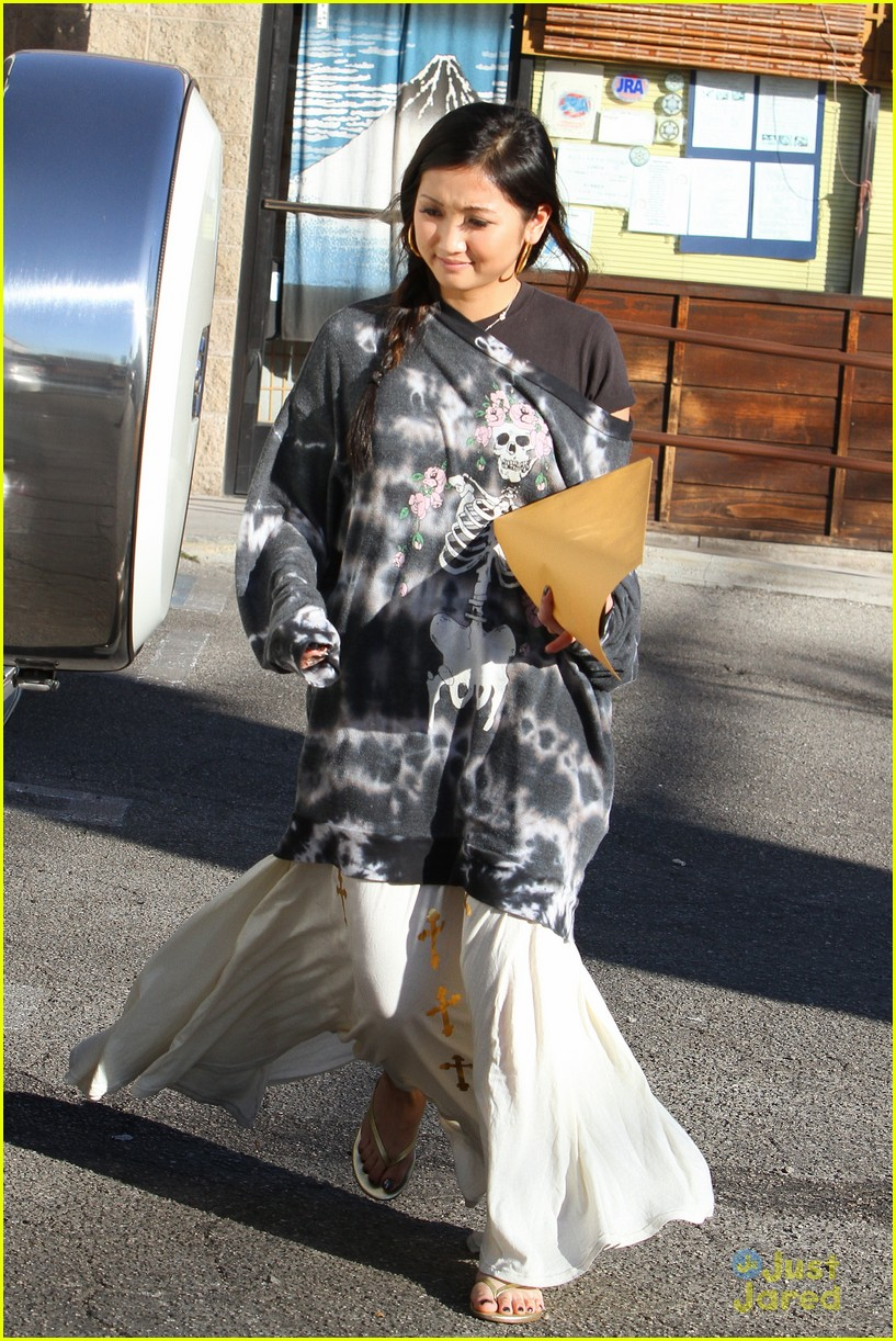 brenda song skull sweater 08