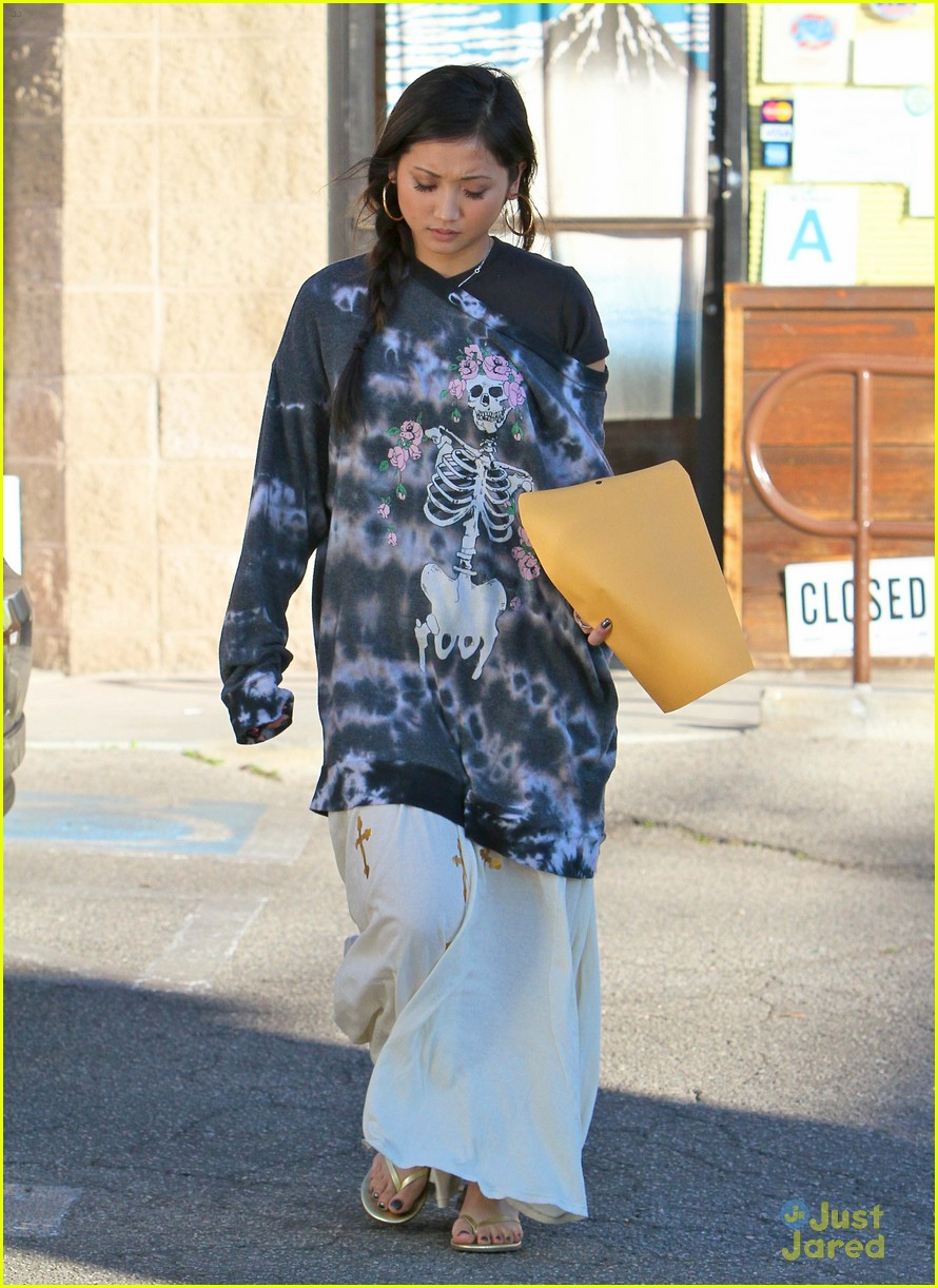 brenda song skull sweater 09