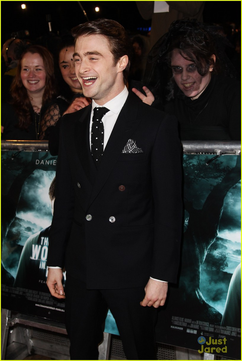 daniel radcliffe wib world premiere 01