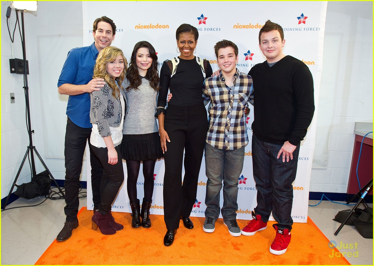 icarly cast dance michelle obama 12