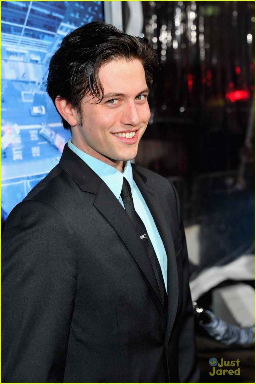 jackson rathbone man ledge 01