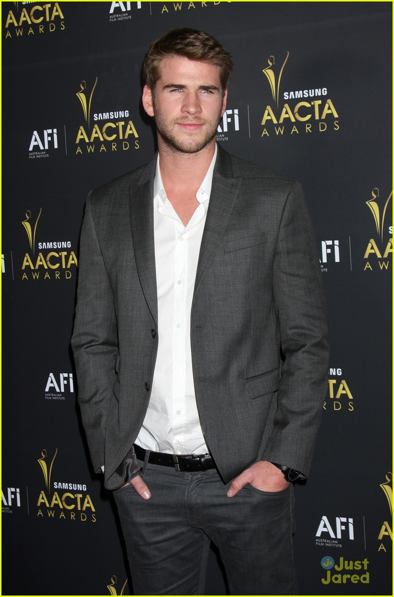 liam hemsworth aussie awards timeless 10